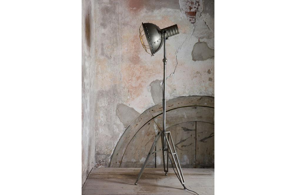 Spotlight staande vloerlamp metaal what is hip